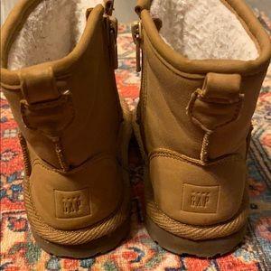 Infant gap winter boots